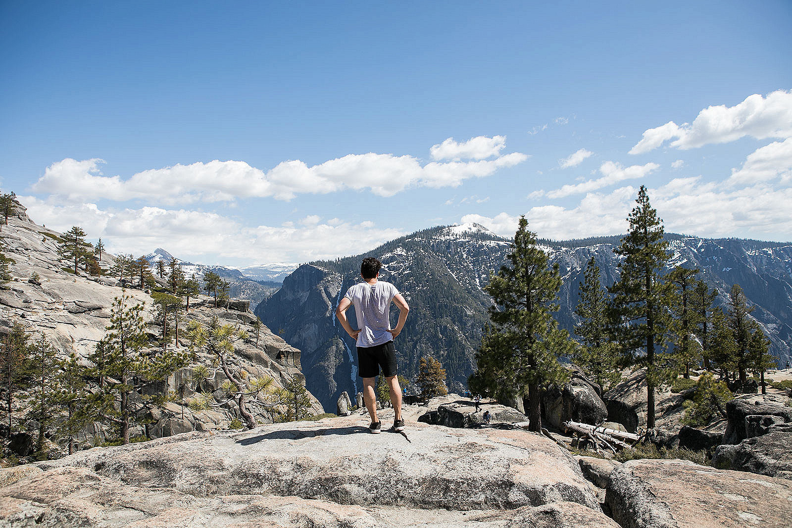 Most Beautiful Views of the Yosemite Valley: Hiking the Upper Yosemite Falls Trail